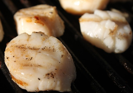 Scallops - Up Close and Personal, and wow, I really need to clean that grill!